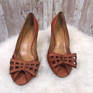 Gianni Bini Natalie brown bow front heels sz 9.5
